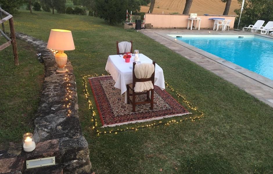 cena romantica bordo piscina