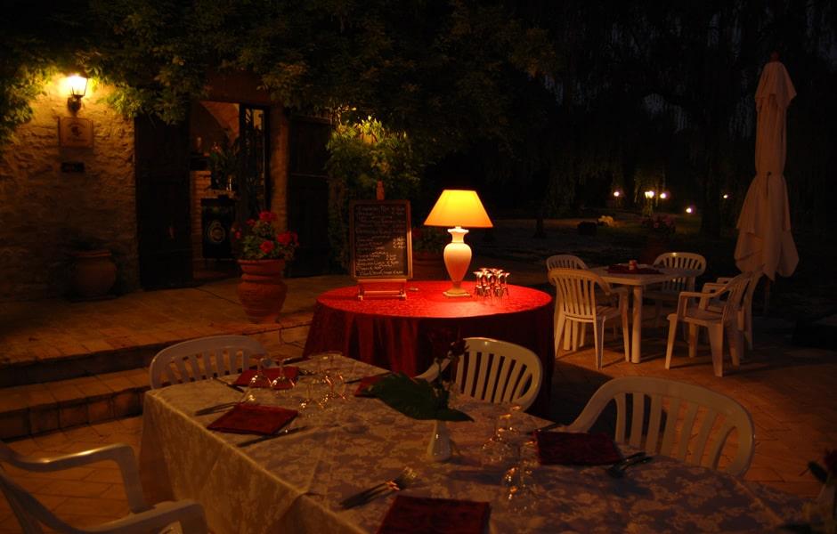 cena romantica a lume di candela