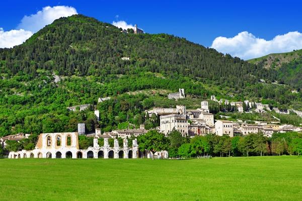 Panoramica della città di Gubbio