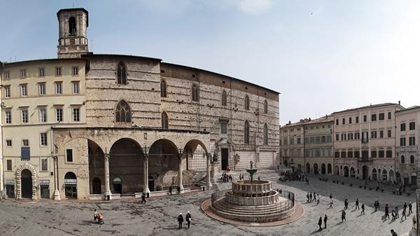 Perugia, piazza IV novembre